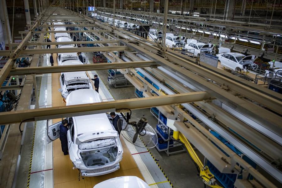 จีนเผยยอดขาย 'รถยนต์พลังงานใหม่' ไตรมาสแรก โต 2.8 เท่า